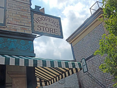 hooper's store (pompomflipflop) Tags: sesamestreet hoopersstore sesameplace