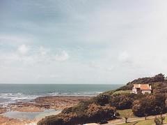 Guthary (mrjcrr) Tags: ocean sea sky sun mer mountain france beach montagne landscape soleil view horizon ciel paysage maison plage vue paysbasque sudouest guthary