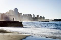(::: M @ X :::) Tags: muelle espign pesca pescador mar ciudad contraluz backlight sand arena beach sea dock jetty pier