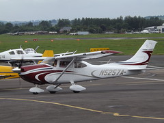 N5257A Cessna 182 (Aircaft @ Gloucestershire Airport By James) Tags: james airport gloucestershire cessna lloyds 182 egbj n5257a