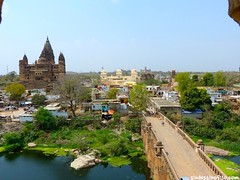 "Palacios de Orchha • <a style=""font-size:0.8em;"" href=""http://www.flickr.com/photos/92957341@N07/8724020515/"" target=""_blank"">View on Flickr</a>"
