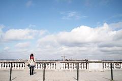 Tableau (Haomin/) Tags: blue brussels sky woman clouds painting alone belgium belgique femme streetphotography bruxelles symmetry peinture bleu ciel nuage tableau  seule  symtrie   mystrieux    olympusepl2