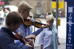 Street Musicians - Royal Mile (Mark R Farrington) Tags: festival canon photography eos scotland edinburgh fringe violin buskers strings quartet streetmusicians 550d desc2012