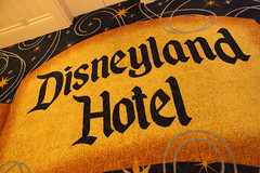 Disneyland Hotel Carpet (Sam Howzit) Tags: california logo carpet anaheim disneylandhotel disneylandresort