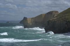 Brutal pacific (D_ncan) Tags: newzealand beach waves nz dunedin tunnelbeach