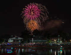 New Year's Fireworks, Melbourne 2014 (NAlhujailan) Tags: show street new eve light people tower station night train river lens boats fire nikon long fireworks low year australia melbourne newyear southbank works yarra docklands crown years mid f28 flinders eureka d800 crowed 2014 2470mm