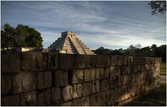 Chichén Itzá (Jaime Fernández) Tags: travel sunset méxico architecture atardecer arquitectura ancient pyramid maya yucatán hdr chichénitzá pirámide mayanculture yucatánpeninsula maravillasdelmundo 2013 pyramidofkukulcán platformofskulls pirámidedekukulcán plataformadelascalaveras 7marvelsoftheworld