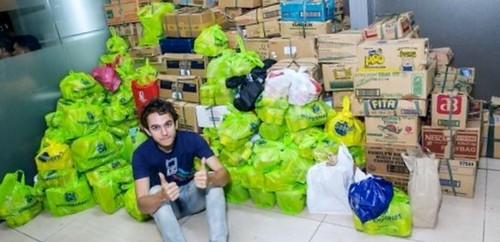 zedd-with-the-inkind-donations-from-his-fans