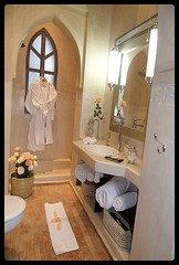 """Salle de bain chambre 6 • <a style=""""font-size:0.8em;"""" href=""""http://www.flickr.com/photos/118706733@N07/12833355635/"""" target=""""_blank"""">View on Flickr</a>"""