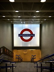 King's Cross Underground (phil_male) Tags: london underground tube londonunderground kingscross stations abouttown