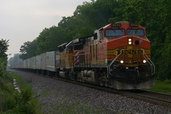 BNSF 4944 & OFOX 2797 West, NS 267 (daniellarabee33) Tags: santa railroad up burlington pacific ns union norfolk stack southern fe northern railfan bnsf intermodal cefx roadrailer ofox