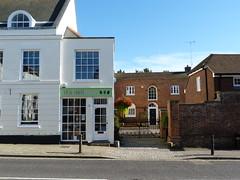 Westerham - Sevenoaks Kent (89) (Royan@Flickr) Tags: house green monument river james town kent general quebec churchill sir winston sevenoaks westerham wolfe darent 20120907