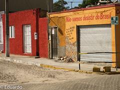 No podemos desistir do Brasil (eduardorodrigues10) Tags: rio brasil mar grande do barco igreja rua rs so jos sul gara luiz navio norte noa pesqueiro oceano ruas podemos desistir brasilemimagens
