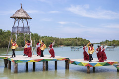 Kuratsa (J Labrador) Tags: philippines cebu filipino folkdance filipiniana bisaya aseansummit kuratsa aseansummit2015
