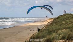 IMG_9265 (Laurent Merle) Tags: beach fly outdoor dune cte vol paragliding soaring ozone plage parapente atlantique ocan glisse littlecloud spiruline