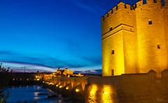 Puente romano de Crdoba (nO_VR) Tags: travel rio night river puente noche spain flickr olympus andalucia puentes crdoba puenteromano zuico olympusomd olympusomdem5markii zuico1250mm