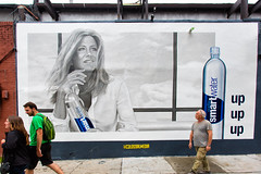 SmartWater (Always Hand Paint) Tags: advertising mural outdoor jennifer ooh handpaint colossal interaction smartwater streetlevel photorealism colossalmedia muraladvertising b154 skyhighmurals alwayshandpaint kristamlindahl smartwatercomplete smartwaterpop
