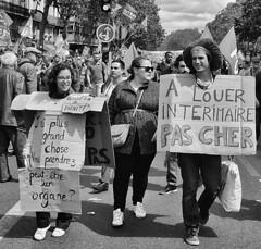 DSCF8175 (sergedignazio) Tags: street paris france photography fuji photographie femme travail rue pancarte manifestation homme loi x100s