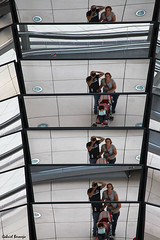Reflejos y autoretratos familiares - Berln (Gabriel Bermejo Muoz) Tags: city travel viaje family light selfportrait reflection berlin luz glass familia architecture modern composition canon germany deutschland reflecting mirror arquitectura europa europe symbol autoretrato ciudad icon reichstag foster normanfoster reflect dome espejo reflejo alemania cristal moderno icono vidrio reflejos berln simbolo composicin cpula reichstagsgebude reichstagdome cpuladelreichstag