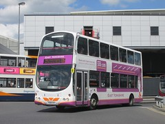 East Yorkshire 708 YX06CXJ Hull Interchange on 105 (1280x960) (dearingbuspix) Tags: 708 eastyorkshire 103105 eyms yx06cxj
