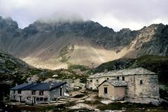 Oratorio di Cuney (antonella galardi) Tags: 2003 trekking valle dia montagna nus aosta diapositiva rifugio santuario oratorio altavia escursionismo cuney sentieri lignan saintbarthélemy 2656m