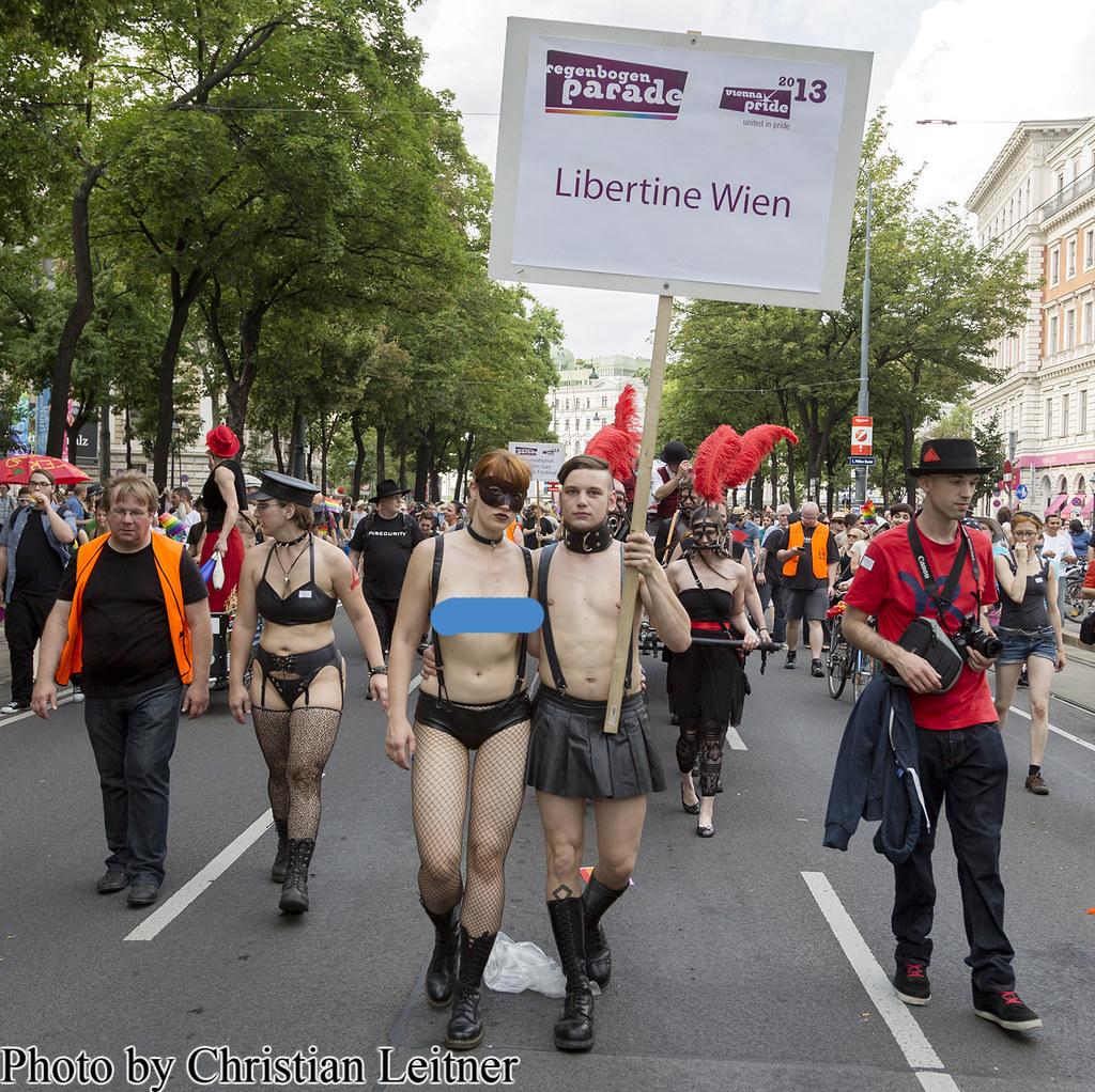 porno latex nude public