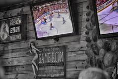 AF17_19564801_HDR.jpg (Les_Stockton) Tags: party cup hockey sport restaurant high dynamic watch icehockey twin twinpeaks stanley coloring peaks range jkiekko hdr highdynamicrange stanleycup selective hokey haca eishockey hoki hoquei selectivecoloring hokej hokejs efex watchparty jgkorong shokk ledoritulys hoci hdrefex xokkey