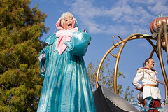 IMG_5586 (onnawufei) Tags: parade disneyworld cinderella wdw waltdisneyworld magickingdom fairygodmother thefairygodmother