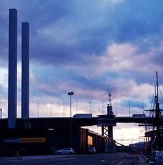 Bolte Bridge (faVori rouge) Tags: by rollei kodak dusk melbourne 400 push docklands sl66 imaging 100 developed cpl ektar v700