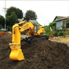 """#toy #construction #earthmoving • <a style=""""font-size:0.8em;"""" href=""""https://www.flickr.com/photos/61640076@N04/9442744226/"""" target=""""_blank"""">View on Flickr</a>"""