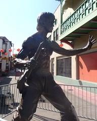 096 Bruce Lee Statue In Chinatown (saschmitz_earthlink_net) Tags: california statue losangeles walks chinatown hiking hike brucelee bigparade 2013 mashupwalk
