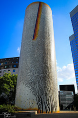 Chemine (Michele Delvecchio) Tags: paris france torre ladefense colori francia defense parigi cheminee esplanadedeladefense