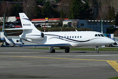 Private N409GB (Drewski2112) Tags: airport 2000 falcon renton municipal dassault rnt krnt f2th 2000lx n409gb