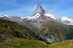 das Matterhorn (welenna) Tags: blue schnee summer sky mountain snow mountains alps landscape switzerland view swiss berge matterhorn alpen wallis schwitzerland