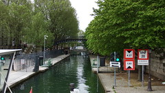 DSCF5361 Canal Saint-Martin, Paris (Thomas The Baguette) Tags: bridge cruise flowers paris france statue seine architecture canal saintmartin nazi kittens tunnel locks zombies rotunda geode bastille glise sncf panamacanal canalsaintmartin vitraux sexyguy randonnee