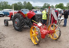 Massey Ferguson 62 Mk 2. 442 XUN with Bamfords Reaper Mower (1) (Glosters) Tags: classic classicvehicles masseyferguson autoextravaganza autoextravaganzawetleyrocksstaffordshire2016 masseyferguson62mk2 bamfordreapermower