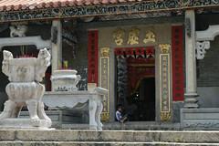 Pak Tai Temple (austinjosa) Tags: island temple hongkong kid child religion chinese traditions incense cheungchau paktaitemple paktai