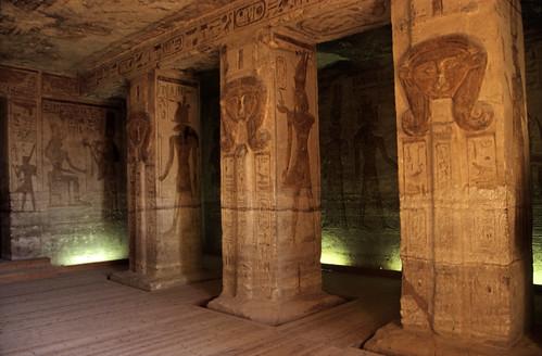 "Ägypten 1999 (111) Im Kleinen Tempel von Abu Simbel • <a style=""font-size:0.8em;"" href=""http://www.flickr.com/photos/69570948@N04/27419003465/"" target=""_blank"">View on Flickr</a>"