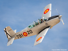 Mentor (Ignacio Ferre) Tags: madrid airplane nikon aircraft military airshow avin fio mentor lecu cuatrovientos spanishairforce fundacininfantedeorleans beechcraftt34a