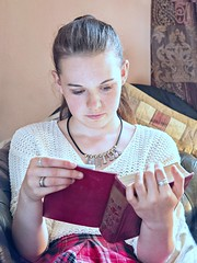 Rosie reading (DeeMac) Tags: naturallight 45mm prettygirl girlreading childreading em5markii