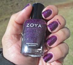 Payton - Zoya (Raabh Aquino) Tags: zoya purple unhas roxo scattered holographic esmaltes hologrfico holosexual