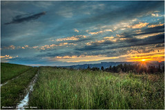 Sonnenuntergang (Hanspeter Ryser) Tags: stocki swizerland willisau sonnenuntergang weg himmel landschaft lucerne landscap abendstimmung