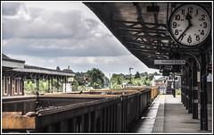 Perfect Timing (Jim the Joker) Tags: clock train railway railwaystation freight worcester signalbox generalmotors freightliner class66 semaphoresignals shrubhill 66550 engineeringposession