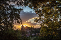 sunset over Hanstein Castle (:: Blende 22 ::) Tags: trees light sunset sky sun clouds rural germany deutschland evening abend thringen cloudy district wiese bluesky thuringia bume eic abends lndlich landkreis bornhagen eichsfeld canoneos5dmarkii ef2470f28liiusm