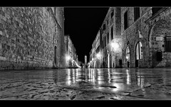 Dubrovnik in bw /Explore (Paul Lapinski) Tags: night croatia dubrovnik chorwacja nocne apiski