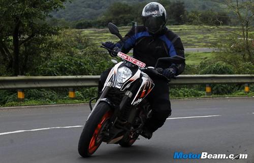 KTM-Duke-390-21