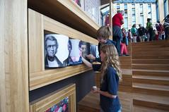 _DSC2195 (ErikVos) Tags: arnhem bibliotheek rozet openhuis volksuniversiteit rijnboog kunstbedrijf