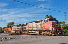 Pretty Pink Pair (Jake Branson) Tags: santa railroad st train louis 8 mo dash missouri fe bnsf atsf warbonnet c408w