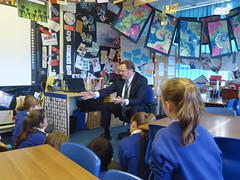 "Stephen Mosley MP visits Year 6 pupils at Highfield Primary School • <a style=""font-size:0.8em;"" href=""http://www.flickr.com/photos/51035458@N07/12119747046/"" target=""_blank"">View on Flickr</a>"