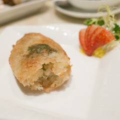 @ The 8 (yusheng) Tags: travel chinesefood dimsum foodporn macau michelin cantonesefood michelin3stars foursquare:venue=4d3ac78c49cb236a2658bd47